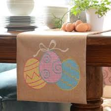 Diy Burlap Easter Decorations by Diy Easter Decorations Bunnies And Burlap Table Runner Burlap