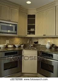 mortier cuisine bois images kitchen lumière taché bois cabinets dans a