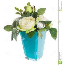 composition florale avec des roses composition florale avec les pivoines blanches et les roses vertes