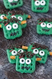 easy halloween treats to make 460 best halloweenie images on pinterest happy halloween