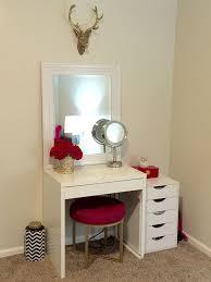 Makeup Vanity Ideas Best 25 Small Vanity Table Ideas On Pinterest Small Makeup