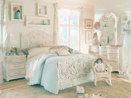 Antique Finish Bedroom Furniture Antique White Bedroom Sets King Creating Antique White Bedroom