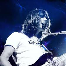 Comfortably Numb Roger Waters David Gilmour Roger Waters Pink Floyd Pinterest Roger Waters Pink Floyd