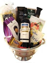 wine basket ideas bridal shower prizes gift baskets ideas