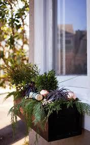 outdoor christmas decoration ideas window frames greenery