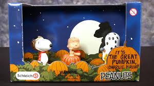 peanuts it u0027s the great pumpkin charlie brown figure set from