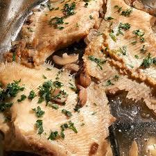 cuisiner la raie au four raie au plat à la ménagère fin de cuisson au four raie poisson