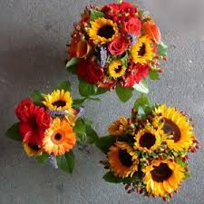 Fall Flowers For Wedding Sunset Colored Wedding Bouquets Dahlia Floral Design