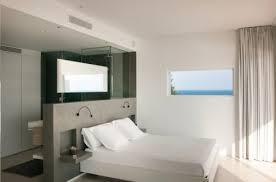 schlafzimmer mit bad wohnideen schlafzimmer den platz hinterm bett für offenes bad