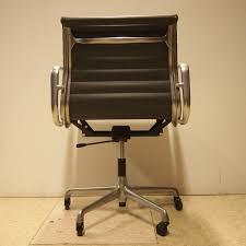 modele de bureau eames charles herman miller fauteuil de bureau modèle