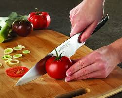 Knives In The Kitchen How To The Right Kitchen Knife Home Decor Singapore