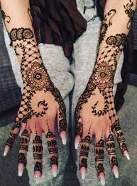 henna mehndi tattoo artist services available in manchester in
