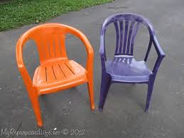 Plastic Patio Furniture by Spray Paint Plastic Chairs