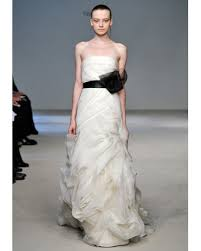 wedding dresses vera wang 2010 2010 bridal trends embellishments florals and feathers