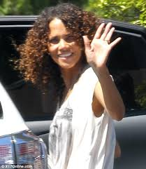 holly berry hairstyles in 1980 halle berry and daughter nahla enjoy afternoon in malibu with