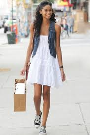 15 stylish ways to wear converse sneakers herinterest com
