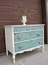 Distressing Diy by Best 25 Distressed Furniture Ideas On Pinterest Distressing