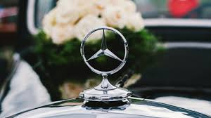 hd background mercedes benz logo badge vintage car wallpaper