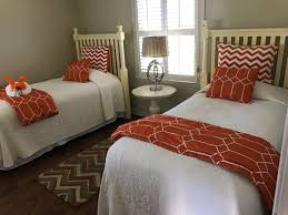 Twin Boy Nursery Decorating Ideas by Guest Bedrooms With Twin Beds Ideas For Small Rooms Decorating