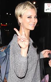 sweeting kaley cuoco new haircut kaley cuoco sweeting from the big picture today s hot pics e