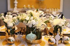 Christmas Bauble Table Decoration by 37 Silver And Gold Christmas Decorations Ideas Table Decorating