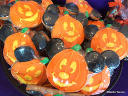 These Disneyland Halloween Treats Are Available Now 2017 by Dining In Disneyland More Halloween Treats At The Disneyland