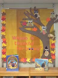 whoo is thankful for books library bulletin board idea library