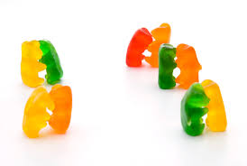 how to perform the dancing gummi bear demonstration
