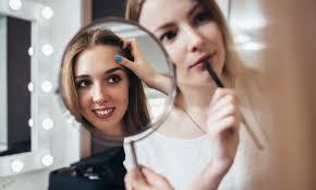 Becoming A Makeup Artist Becoming A Celebrity Makeup Artist The World Of Make Up