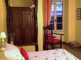 chambre d hotes quercy chambres d hôtes domaine de cantecor chambres d hôtes montpezat de