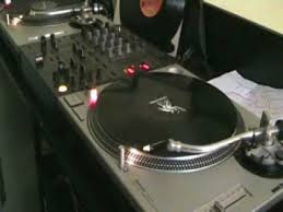 dj table for beginners dj beat matching tutorial on a vinyl turntable youtube