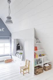 Designer Arbeitstisch Tolle Idee Platz Sparen Schönes Helles Kinderzimmer Mit Dachschräge Tolle Idee Für Eine