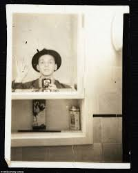 Bathroom Mirror Selfies 11 Amazing Vintage Selfies Oddee