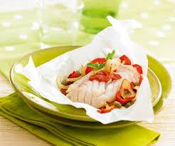 comment cuisiner le colin recette de poisson papillotes de colin à la provençale et sauce
