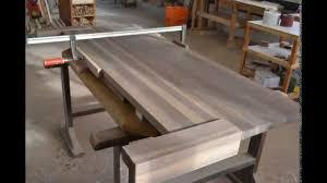 Schlafzimmer Betten Aus Holz So Entsteht Ein Massivholz Bett Aus Walnuss In Der Schreinerei