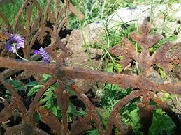 maison decor garden house gets antique fencing