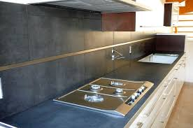 cuisine en carrelage décoration peindre carrelage cuisine plan de travail 19