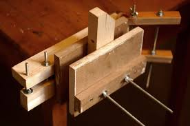 Woodworking Bench Vice Uk by Wooden Vice 5 Steps With Pictures