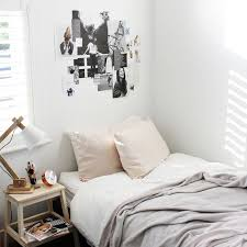minimalist dorm room dorm decorating on a budget her cus