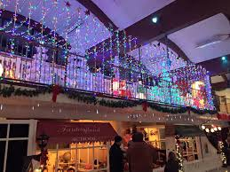 Rochester Michigan Christmas Lights by 17 Places To See Christmas Lights In Metro Detroit