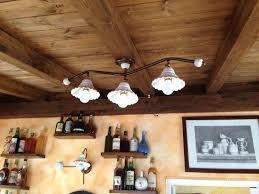 ladari rustici in ceramica 40 idee per illuminazione rustica per taverna immagini decora