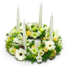 White Christmas Centerpieces - christmas flowers eflowersdelivery in italy allows you to send