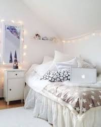 Light Bedroom Ideas White Instead Of Blue And Into My Bedroom Inspiracje Domowe