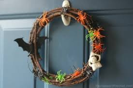 25 spooktacular diy halloween wreath ideas spaceships and laser