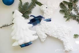 diy christmas decorations reindeer and christmas tree