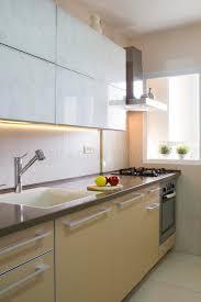 küche cremefarben moderne küche in den beige und cremefarben stockfoto bild 68119690