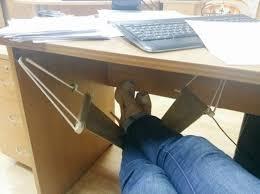 pose pied bureau idéal pour le bureau le hamac pour pieds zegag fr images marrantes