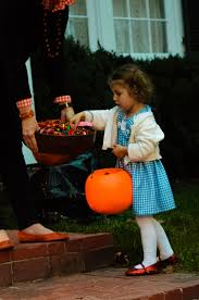 davis halloween city planning the perfect halloween party with kids huffpost