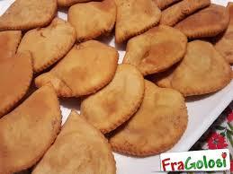 mozzarella in carrozza messinese pitoni messinesi ricetta pitoni fritti fragolosi