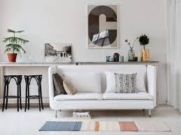 salon sans canapé petit espace un mini canapé pour ne pas surcharger le salon